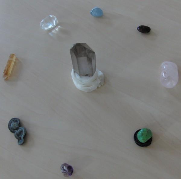 Ausfstellungen mit Steinen zur  Standortbestimmung