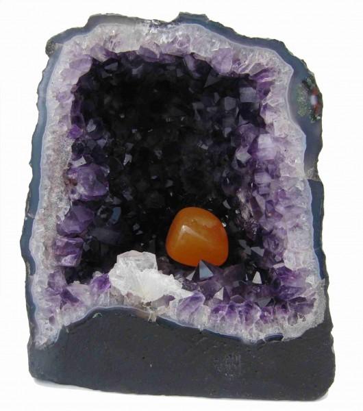 Was ist bei der Pflege von Steinen zu beachten?